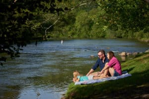 Georgia Mountain Parkway - Families enjoy downtime on the Toccoa River in McCaysville, Georgia